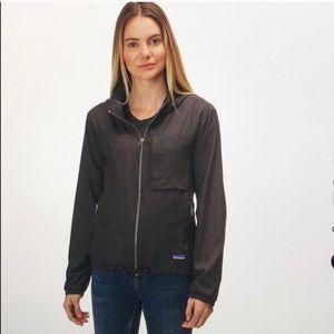 Host Pick 🎉 Patagonia Mountain View Jacket